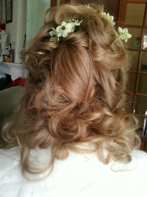 coiffure anglaise et boucle